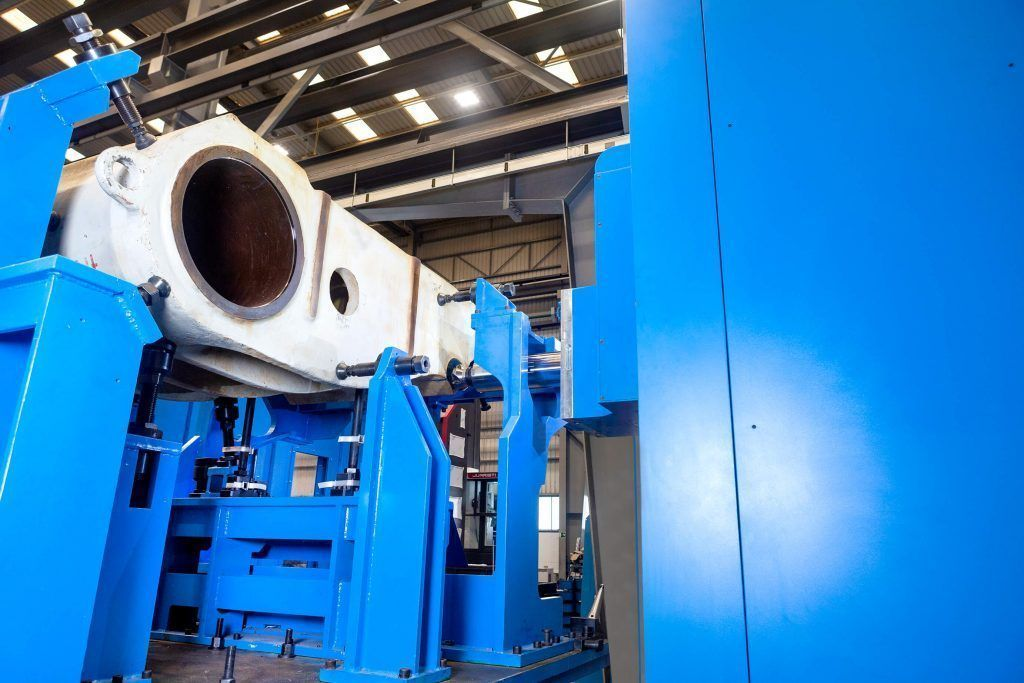 3060308 f 1 A comprehensive milling and boring center for manufacturing large rock and mineral crushers in India