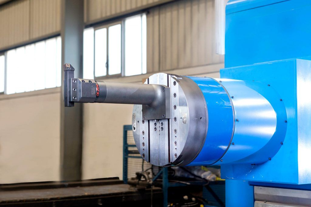 3060366 f 1 A comprehensive milling and boring center for manufacturing large rock and mineral crushers in India