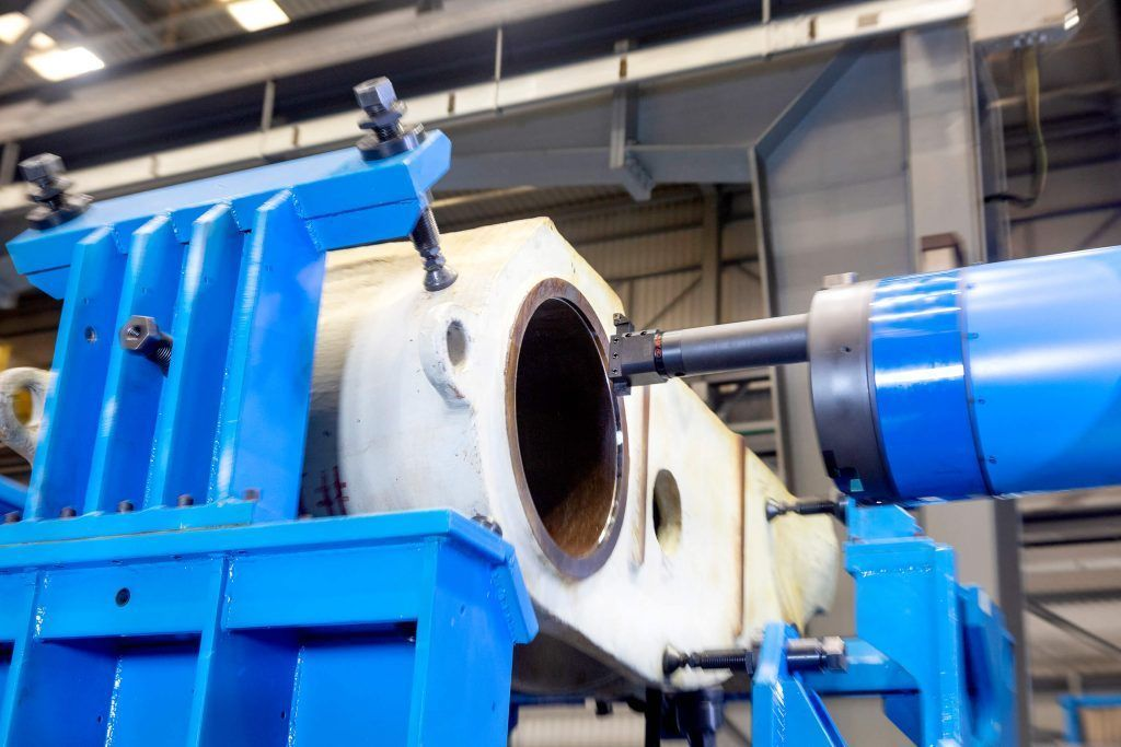3060377 f 1 A comprehensive milling and boring center for manufacturing large rock and mineral crushers in India