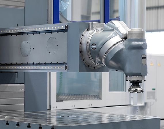universal #theunstoppable: MX5 Floor type milling-boring center for Voith Hydro